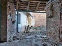 Průjezd na dvůr (Prodej domu v osobním vlastnictví 69 m², Vémyslice)