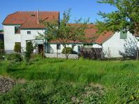 Pohled na dům za zahrady - Prodej domu v osobním vlastnictví 187 m², Kulířov