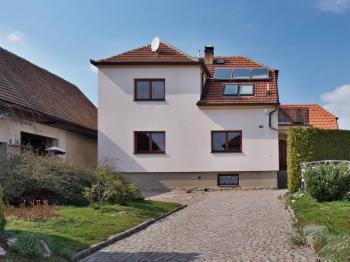 Čelní pohled - Prodej domu v osobním vlastnictví 215 m², Bučina
