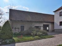 Původní stavba vedle domu, garáže - Prodej domu v osobním vlastnictví 215 m², Bučina