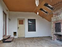Venkovní krb - Prodej domu v osobním vlastnictví 215 m², Bučina