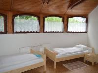 Pokoj - Prodej komerčního objektu 685 m², Slavkov u Brna