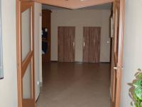 Vstup do budovy - Prodej komerčního objektu 685 m², Slavkov u Brna