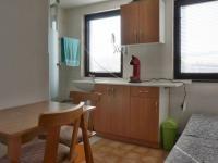 Hlavní pokoj s kuchyňkou a sprchovým koutem - Prodej chaty / chalupy 36 m², Bohdalice-Pavlovice