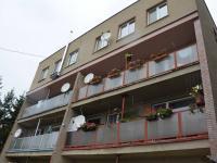 Dům ze zadní strany - Pronájem bytu 3+1 70 m², Ježkovice
