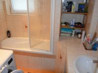 Koupelna - Pronájem bytu 3+1 70 m², Ježkovice