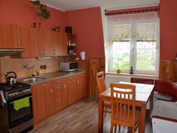 Kuchyně - Pronájem bytu 3+1 70 m², Ježkovice