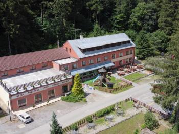 Prodej restaurace, 2400 m2, Javorník