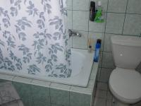 Koupelna s WC - Pronájem bytu 2+kk v osobním vlastnictví 38 m², Drnovice
