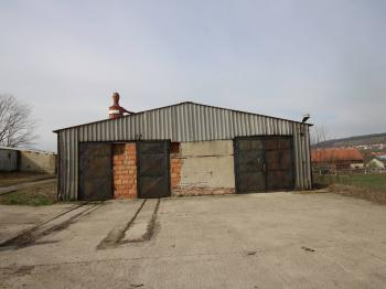Prodej komerčního objektu 1941 m², Kovalovice