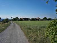 Pohled na pozemek - jižní směr - Prodej pozemku 1340 m², Habrůvka