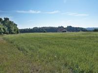 Pohled na pozemek - severovýchodní směr - Prodej pozemku 1340 m², Habrůvka