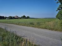 Pohled na pozemek - jihozápadní směr - Prodej pozemku 1340 m², Habrůvka