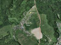 Letecký pohled na pozemek a okolí - Prodej pozemku 1340 m², Habrůvka