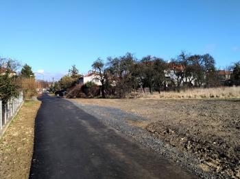 Prodej pozemku 1050 m², Dolany (ID 058-N03390)
