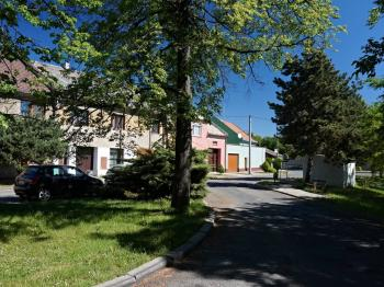 Prostranství před domem - Prodej domu v osobním vlastnictví 87 m², Přerov