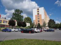 Veřejné parkoviště před budovou - Prodej komerčního objektu 2628 m², Svitavy