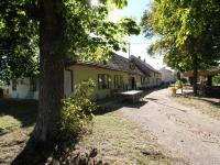 Prodej komerčního objektu 247 m², Týnec nad Labem