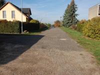 Přístupová komunikace (Prodej pozemku 1148 m², Týnec nad Labem)