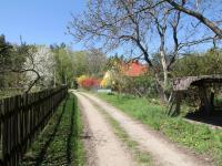 Příjezdová cesta k pozemku (Prodej pozemku 3526 m², Semtěš)