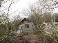 Pohled na stavby na pozemku (Prodej pozemku 3526 m², Semtěš)