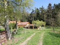 Příjezdová cesta (Prodej pozemku 3526 m², Semtěš)