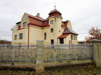 Prodej domu v osobním vlastnictví 256 m², Měník