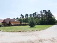 Prodej pozemku 952 m², Tři Dvory