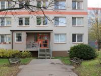 vchod (Prodej bytu 2+kk v osobním vlastnictví 40 m², Kolín)