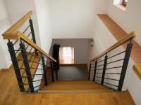 Vedlejší budova - schodiště (Prodej penzionu 700 m², Žabonosy)