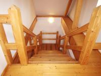 Hlavní budova - schodiště (Prodej penzionu 700 m², Žabonosy)