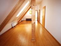 Hlavní budova - chodba podkroví (Prodej penzionu 700 m², Žabonosy)