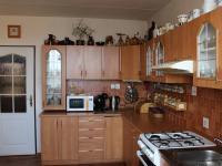 Kuchyně (Prodej bytu 4+1 v osobním vlastnictví 94 m², Praha 9 - Kyje)