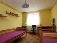 Dětský pokoj (Prodej bytu 3+1 v osobním vlastnictví 60 m², Kolín)