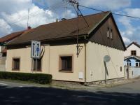 pohled na dům z ulice (Prodej domu v osobním vlastnictví 110 m², Velký Osek)