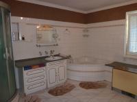 koupelna  (Prodej domu v osobním vlastnictví 110 m², Velký Osek)