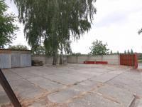Zpevněná plocha před velkou halou - Pronájem komerčního objektu 795 m², Červené Pečky