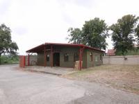 Prodejna a zázemí komerčních prostor (Pronájem komerčního objektu 795 m², Červené Pečky)