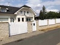 pohled z ulice (Pronájem domu v osobním vlastnictví 187 m², Velké Přílepy)
