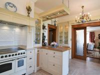 kuchyně, 17 m2 - Pronájem domu v osobním vlastnictví 300 m², Jesenice