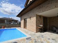 terasa u bazénu - Pronájem domu v osobním vlastnictví 300 m², Jesenice