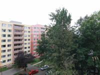 Výhled z obývacího pokoje (Prodej bytu 3+kk v osobním vlastnictví 71 m², Kolín)