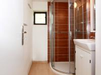 koupelna - nová část domu - Prodej domu v osobním vlastnictví 3274 m², Smidary