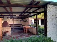altán s krbem a posezením - Prodej domu v osobním vlastnictví 248 m², Smidary
