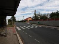 autobusová zastávka vzdálená pár kroků - Prodej pozemku 2093 m², Říčany