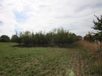 pohled na pozemek zadní strana - Prodej pozemku 2093 m², Říčany