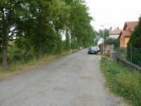 příjezdová cesta k pozemku (Prodej pozemku 1020 m², Pečky)