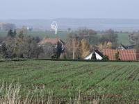 pohled z konce vesnice - Prodej domu v osobním vlastnictví 214 m², Svojšice