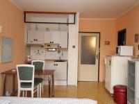 pohled od okna (Prodej bytu 1+kk v osobním vlastnictví 29 m², Praha 4 - Modřany)