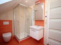 koupelna + WC - Pronájem bytu 3+kk v osobním vlastnictví 64 m², Uhlířské Janovice